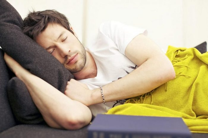 Как уложить спать пьяного человека